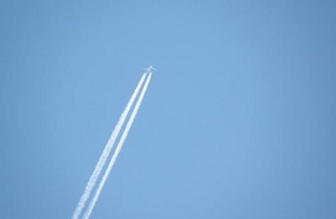 Самолет на батарейках