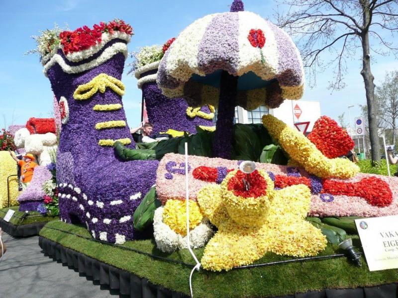 Стартовал парад цветов в Голландии