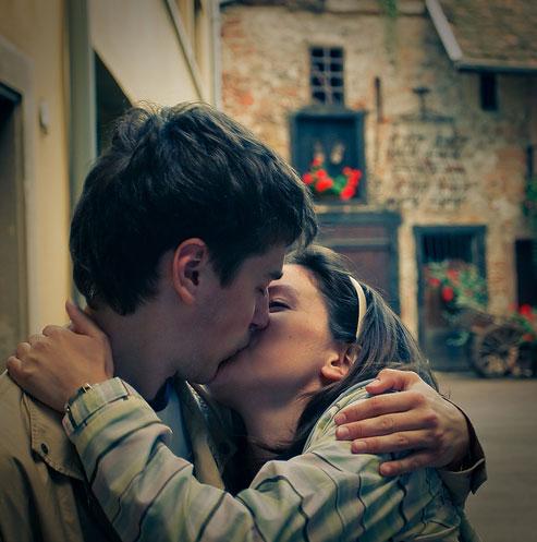 Первый поцелуй может изменить жизнь