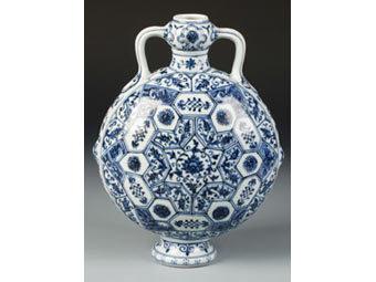 Пенсионер нашел вазу династии Мин
