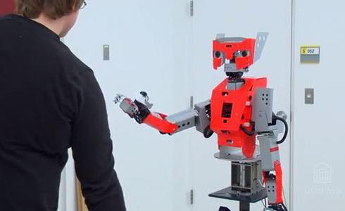 XBOX обучит робота
