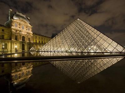 Парижский Лувр