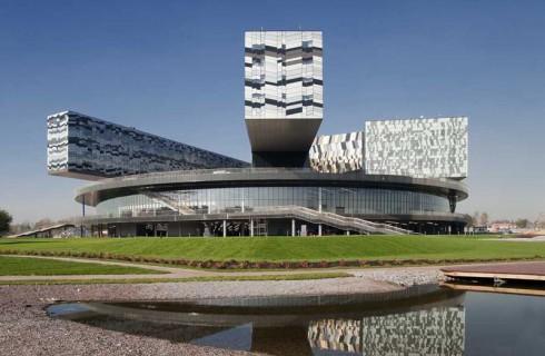 Microsoft откроет центр исследований в Сколково