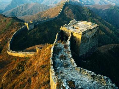 Фрагмент Великой китайской стены, который не пощадило время. Сложно поддерживать хорошее состояние для такого огромного сооружения.