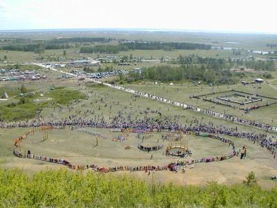 Самый большой хоровод в рамках празднования Ысыах в Якутии