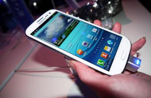Гигантские продажи Samsung Galaxy S III
