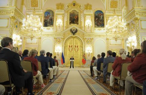 Путин наградил олимпийских чемпионов