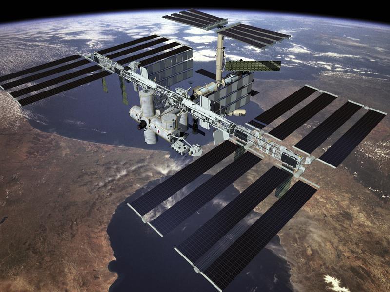 В открытый космос на работу