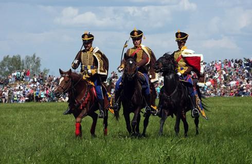 Юбилей Бородинской битвы отметили реконструкцией