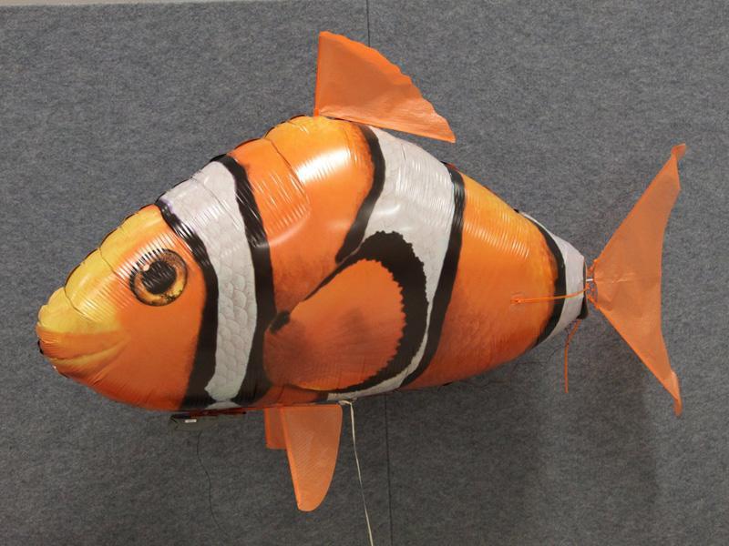 Летят рыбки