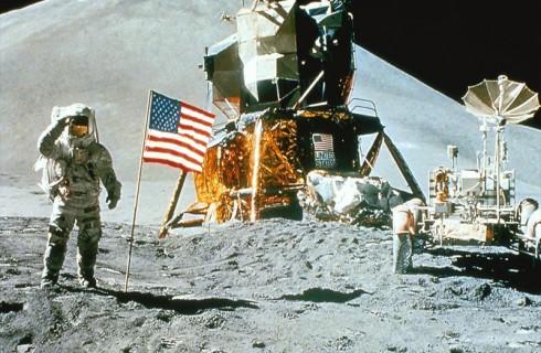 Лунная теория заговора