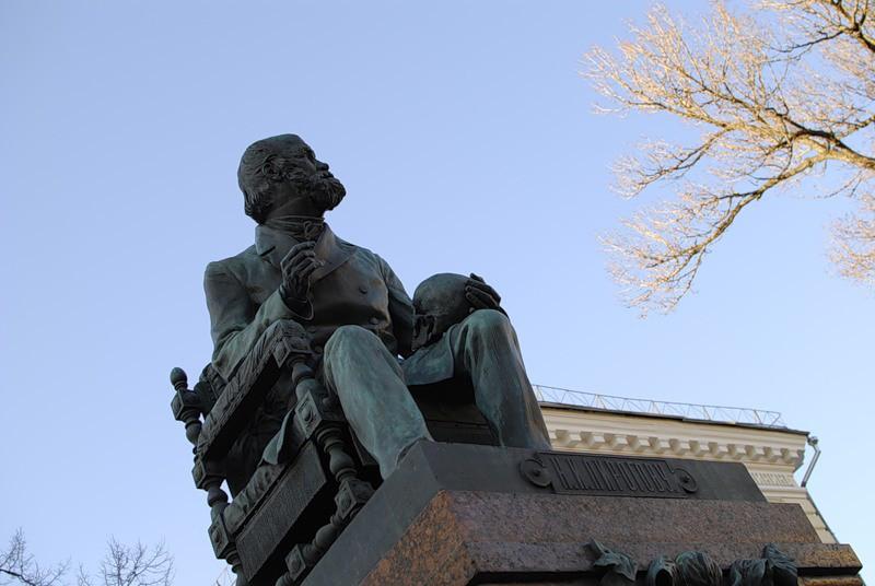 В Болгарии восстановили памятник Пирогову