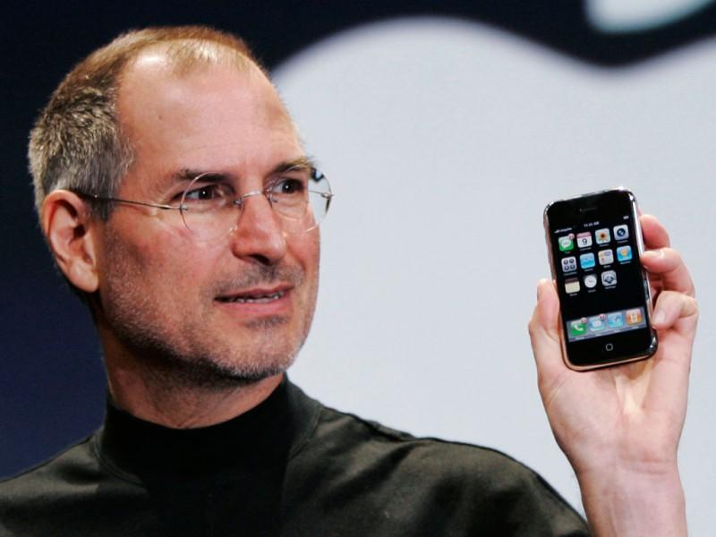 Как Стив Джобс iPhone создавал