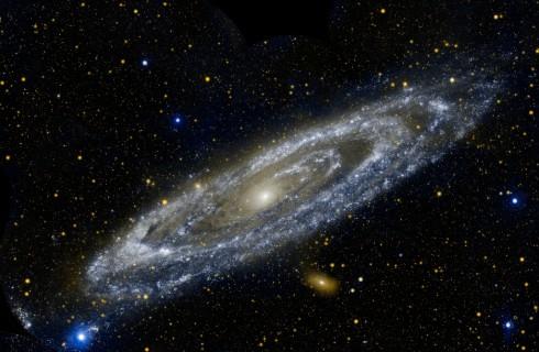 Телескоп Hubble смог увидеть ранние галактики