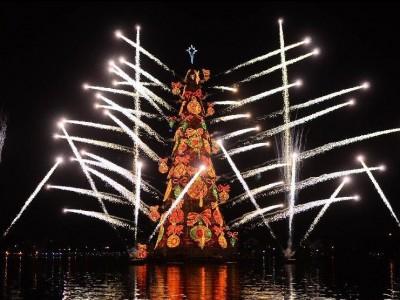 Новогодняя ель Рио-Де-Жанейро