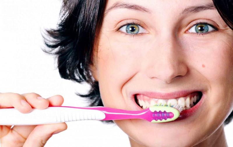 Люди не умеют чистить зубы
