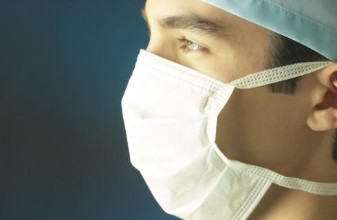 Британские врачи выращивают новый нос пациенту
