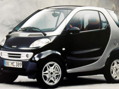 Mersedes Smart Car