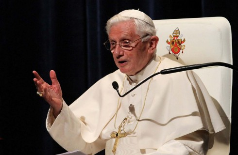 Бенедикт XVI ускорил процесс избранника предшественника