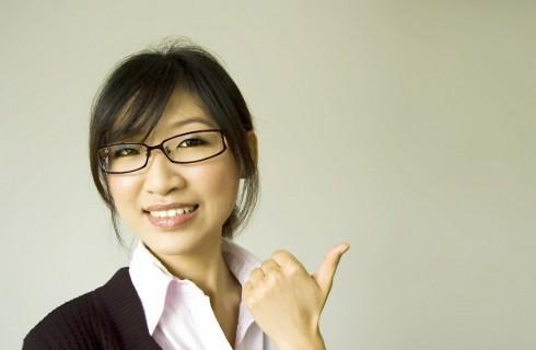 Японки массово искривляют зубы