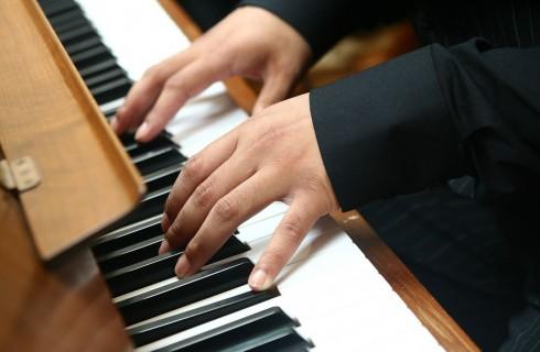 Музыка положительно влияет на развитие мозга