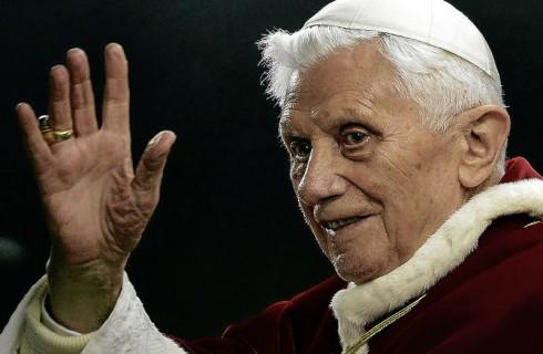 Папа Римский досрочно покидает престол