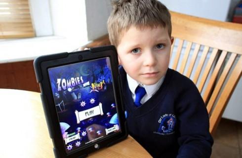 5-летний мальчик поиграл в игру для iPad на 80 тысяч рублей
