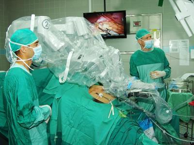 Роботы-хирурги появятся в столичных больницах