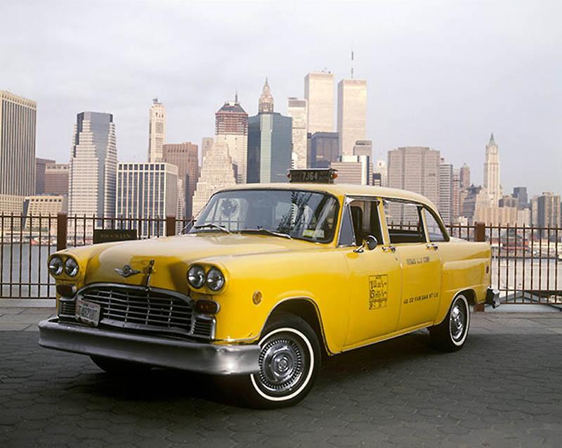 Московские такси будут производить Toyota, Nissan и GM