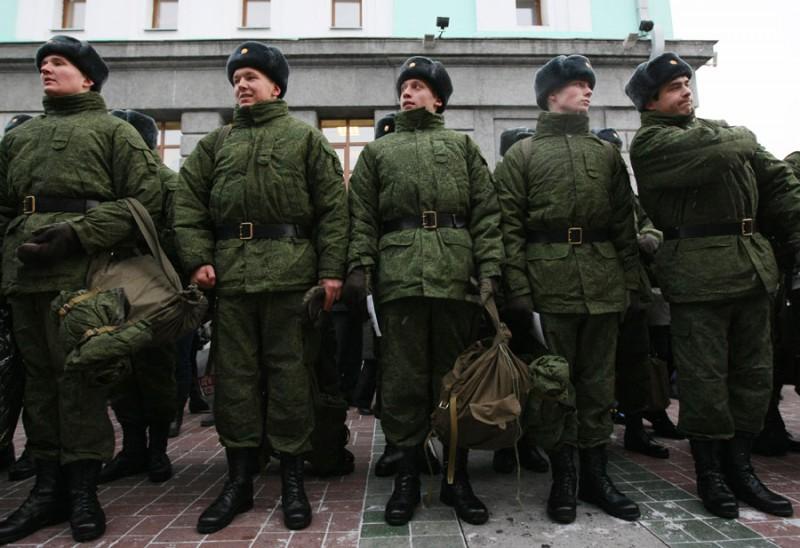 Юдашкин планирует переодеть армию России