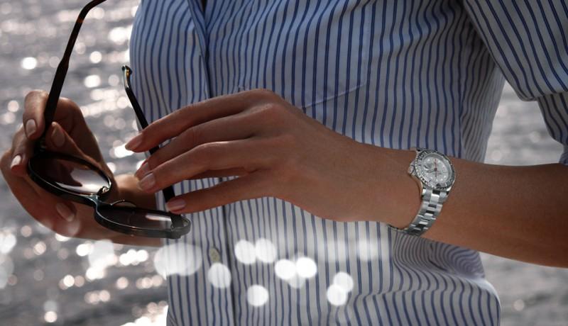 Особенности выбора женских реплик швейцарских часов