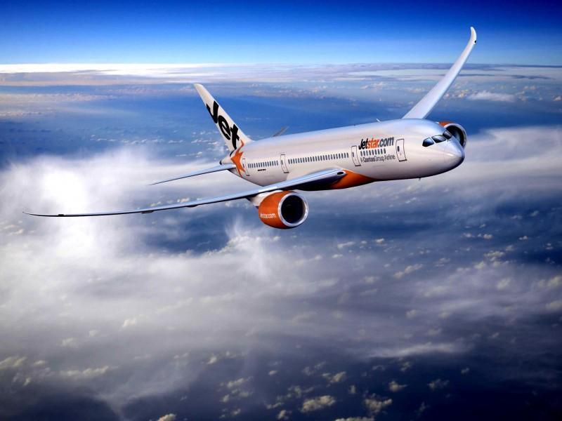 Самолетами можно управлять с помощью смартфона
