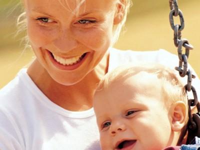 Отпуск по уходу за детьми хотят увеличить до 4,5 лет
