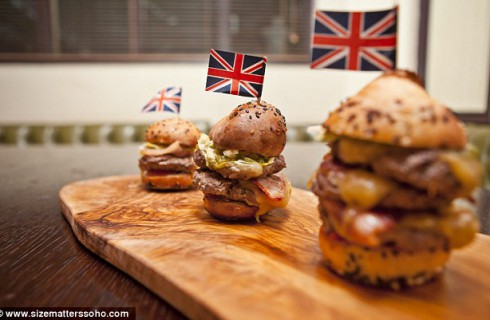 Лондонский ресторан предлагает блюда  разных размеров