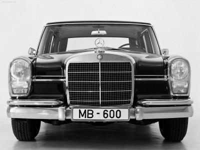 Mercedes внедряет новые системы помощи водителю