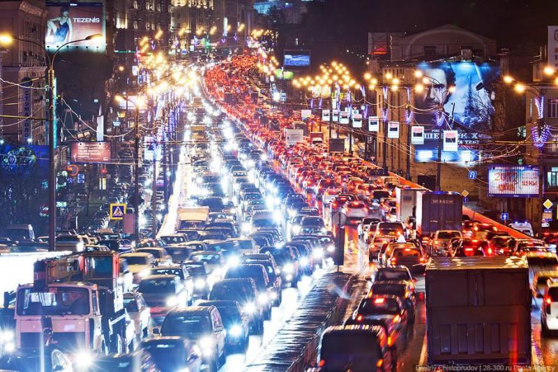 Автомобильные пробки вызывают у людей стресс