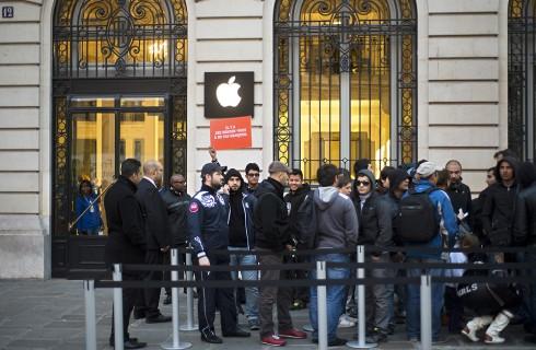 Франция собирается обложить налогами Google и Apple