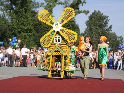Парады детских колясок 2013
