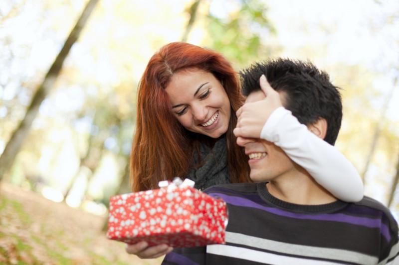 Что подарить любимому человеку