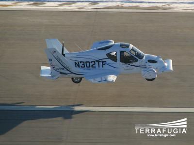 Terrafugia выпускает в мир летающие автомобили