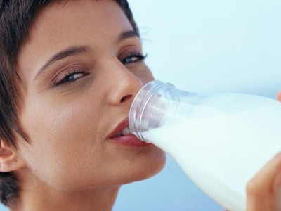 Способствует ли обезжиренное молоко ожирению?