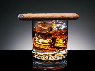 Выпивка и курение идет рука об руку