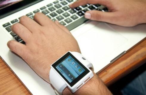Индийские студенты создали умные часы