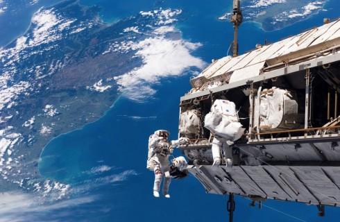 Астронавты МКС успешно завершили выход в космос