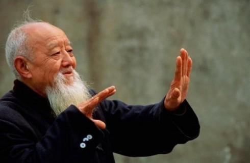 Новый закон в Китае защитит права пожилых людей