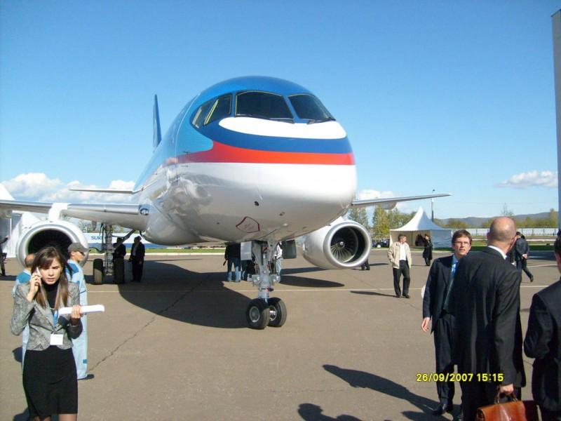 Sukhoi SuperJet 100 передан заказчику в конце 2013 года