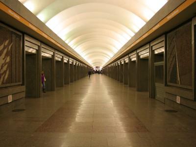 Станция «Улица Дыбенко»