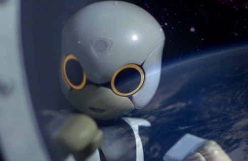 Роботу-астронавту пока не до разговоров