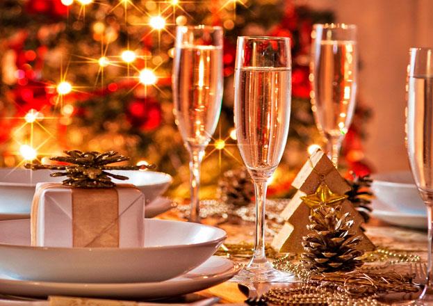 Новогодний банкет в гостиницах Санкт-Петербурга: праздник на любой вкус
