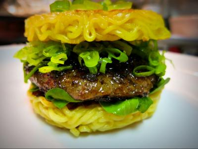 Ramen Burger – новый кулинарный хит Нью-Йорка